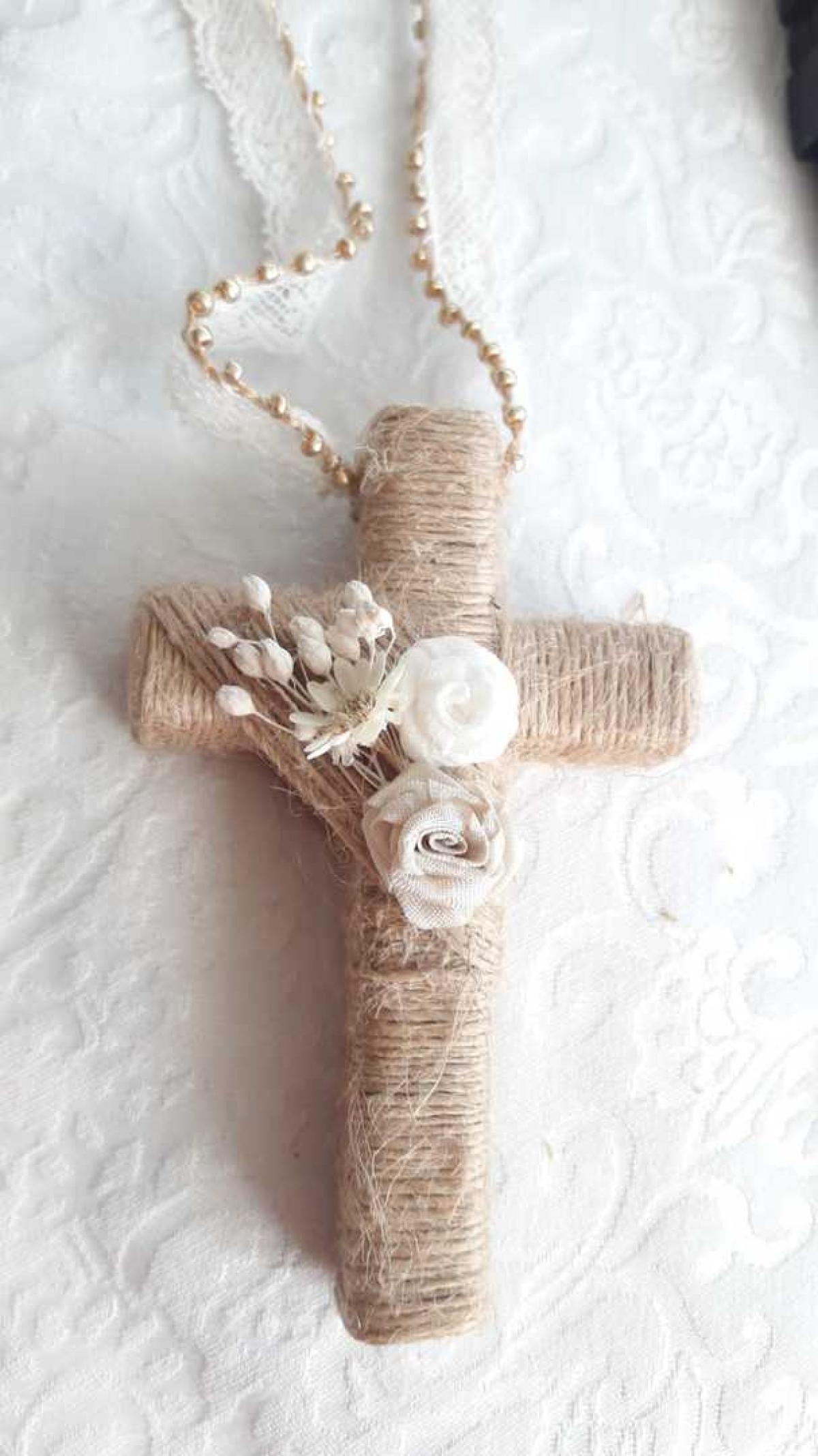 Cruces de comunión niña